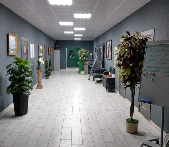 №2, административная часть здания (холл-входная группа)